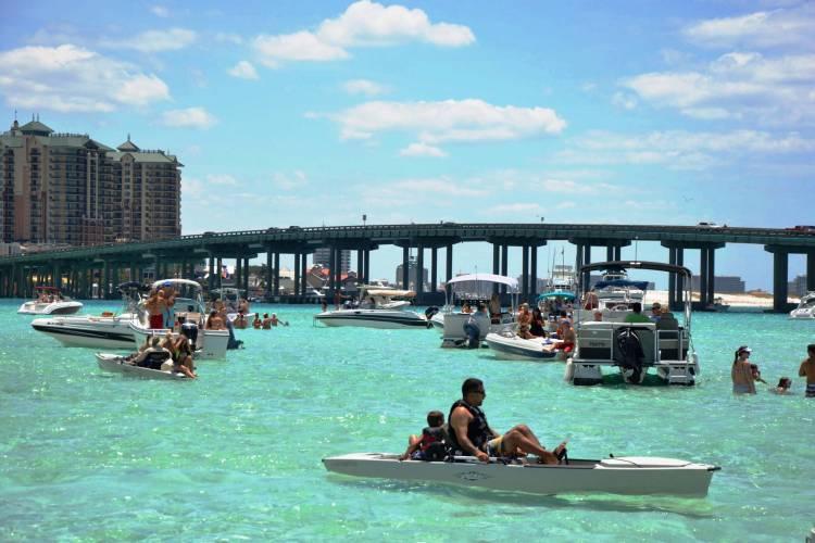 Crab island in Destin Florida boating paddelboard pontoon rentals