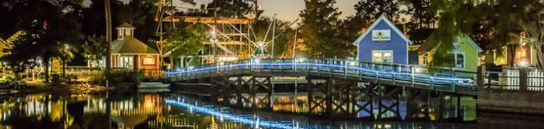baytowne village sandestin destin florida family fun night live bars restaurants live music good food